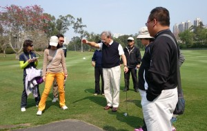 Brian Choa (centre) conducted the R&A Rules School, hosted by the HKGA at the Hong Kong Golf Club.