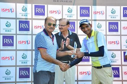 Nadeem Aslam is congratulated on his victory by Pakistan Golf Federation Senior Vice Pres-ident Major Gen (Ret) Tariq Saleem Malik (left) and Pakistan Golf Federation Secretary Brig (Ret) Nayyar Afzal.