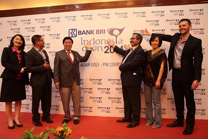 Firman Taufick [third left] at the Indonesia Open sponsorship announcement.