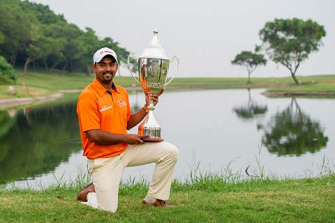 Anirban Lahiri celebrates his victory in Macau. Picture by David Paul Morris/Asian Tour