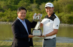 David Lipsky is congratulated by Asian Tour Chairman Kyi Hla Han.