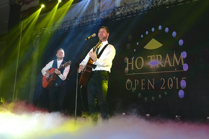 Brian McFadden entertained guests at the Ho Tram Open's Gala Dinner.