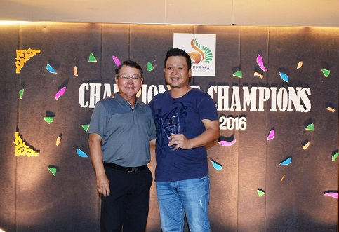 KPGCC Golf Committee Chairman Ng Say Hoe with Champion of Champions Gross winner Chang Thean Siang.