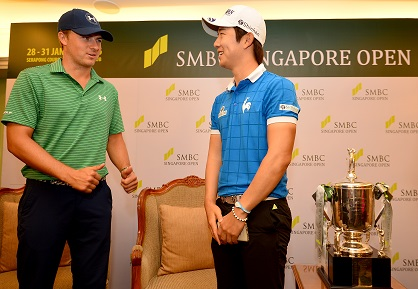 Jordan Spieth congratulates Song of Young-han on his victory at Sentosa. Picture by Khalid Redza Lagardere Sports