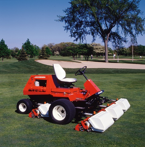 In 1989, the legendary LF-100 light fairway mower was introduced.