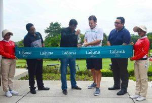 SPH's S. Murali (left) cuts the ribbon with Ravi Chandran, Sir Nick Faldo and Laguna Banyan General Manager Alpha Eldiansyah.